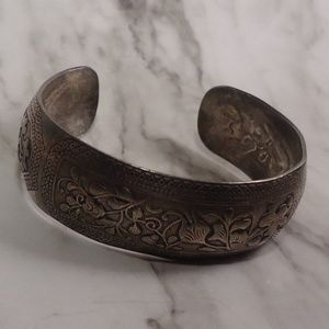 Silver plated cuff floral motif